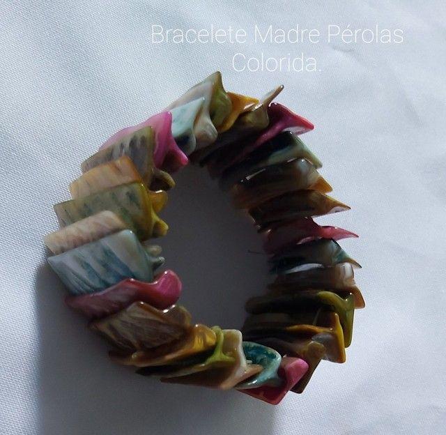 Vende-se Pulseira,  Bracelete de Madre Pérolas Coloridos.  - Foto 2