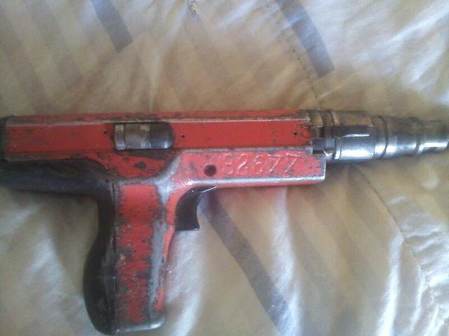 Pistola de pino