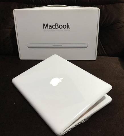 MacBook White (13 Inch - Mid 2010) 250GB HD - 8GB RAM + Caixa e capas de proteção