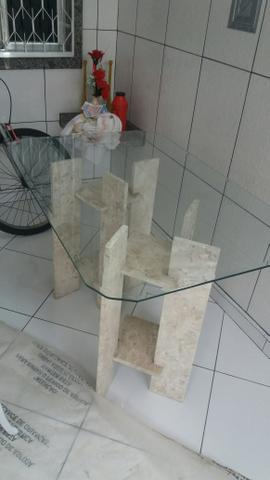 Vendo mesa de vidro , com mármore