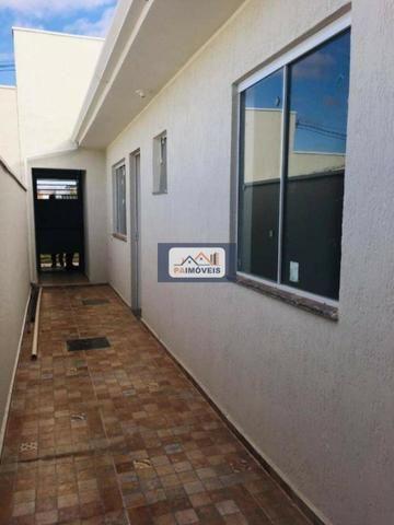 Casa com Documentação Grátis!! Localizada na Avenida da Faculdade