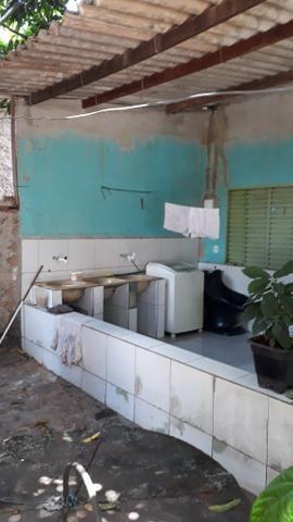 JD GUANABARA 1, casa com barracão na rua Anápolis - Foto 9