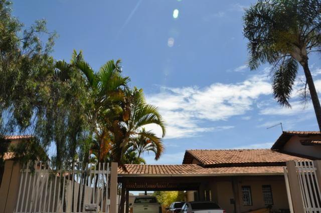 Casa Terrea Solar de Brasilia, Qd 2, 4 Stes, Regularizada, Cond. Fechado, 450m2, - Foto 2