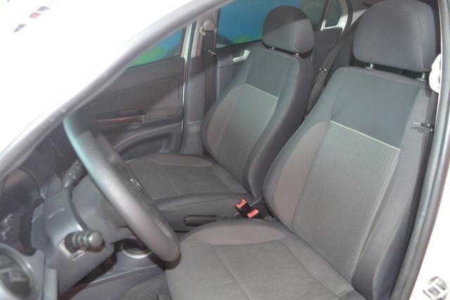 Volkswagen Voyage City 1.6 Flex com GNV, Completo. Aprovamos seu crédito mesmo sem renda - Foto 5