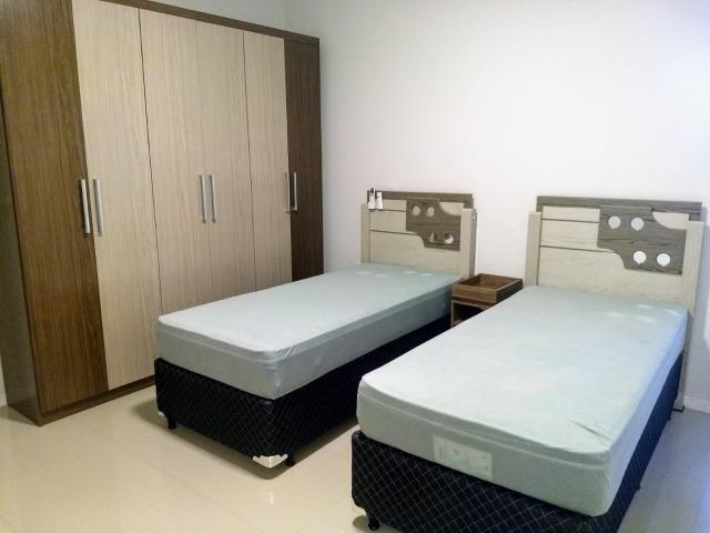 AP2159 Ótimo apartamento,03 suítes,mobiliado,localizado em Meia Praia - Foto 5