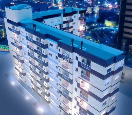 Apartamento de 2 dormitórios com garagem no Centro de Santa Maria