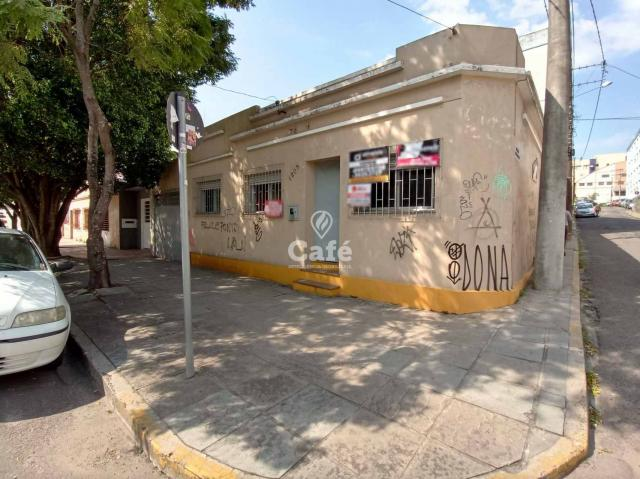 Casa 3 dormitórios, próxima a UFN, Supermercados, Calçadão, Centro e posto de saúde.