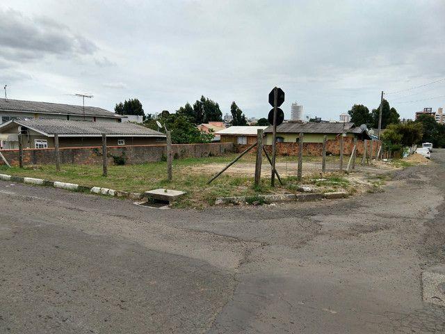Vendo Terreno de esquina na AV. Corina Caon, Jardim Cepar. - Foto 3