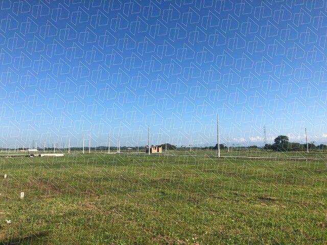 c03. Terrenos financiados com sinal parcelado em Unamar/C Frio.