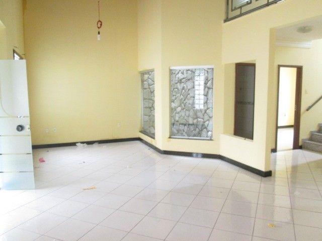 Alugo casa em Condomínio na Fraga Maia
