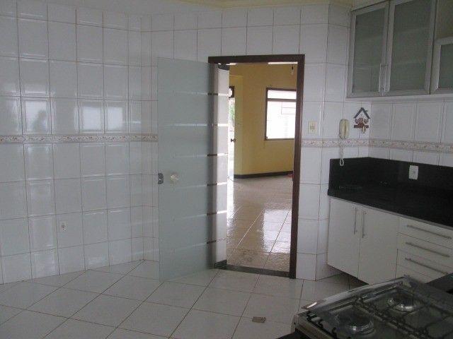 Alugo casa em Condomínio na Fraga Maia - Foto 7