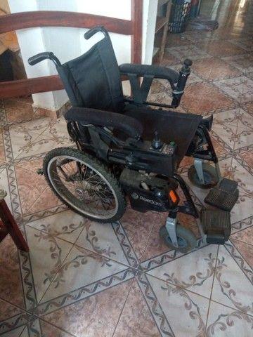 Vende - se uma cadeira de rodas motorizada  - Foto 5