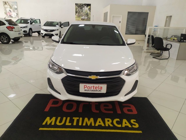 onix sedan  plus lt 1.0 mec impecavel com 26000 km  - Foto 8
