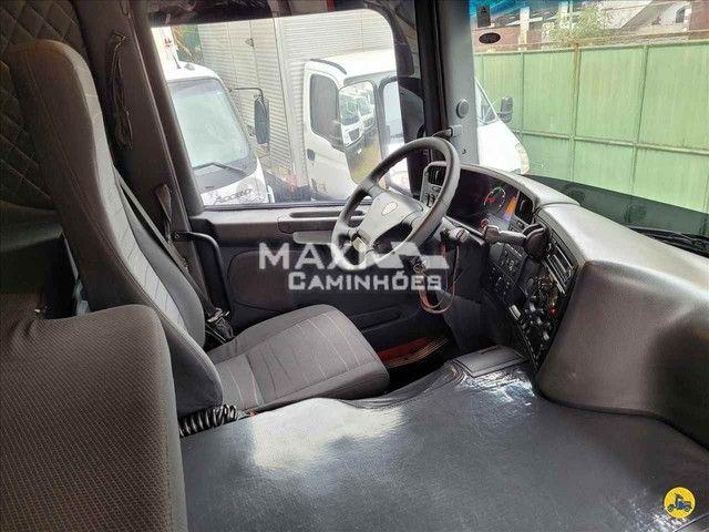 Scania P-310 2015 8x2 Baú  - Foto 9