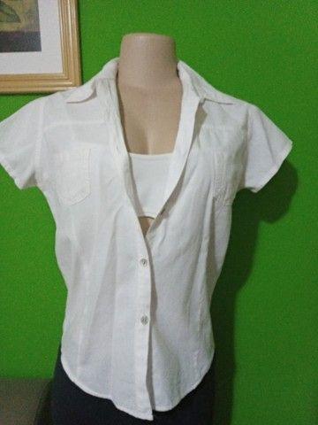 Camisas Femininas Brancas - Tamanho P