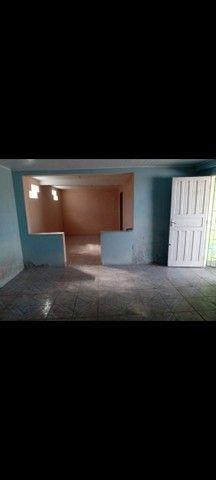 Aluga-se 2 casa no pátio,  bem grande e um salão  - Foto 2