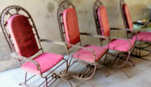 Cadeiras de ferro obs