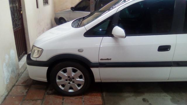 Gm - Chevrolet Zafira ótimo estado
