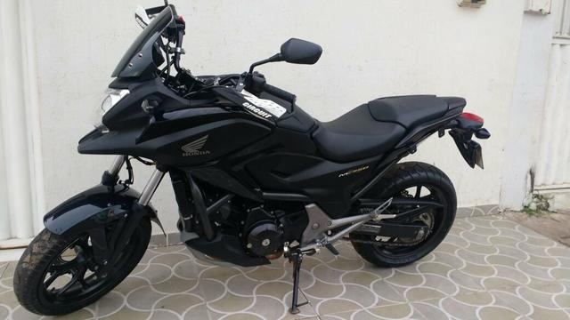 Honda NC 750 moto muito nova