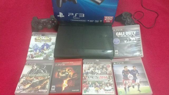 Playstation3 250 gigas, semi novo, com dois controles e seis jogos!