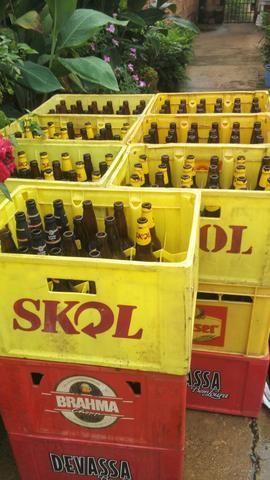 Vendo engradado de cerveja enterecado chama no zap 99 99200 2660