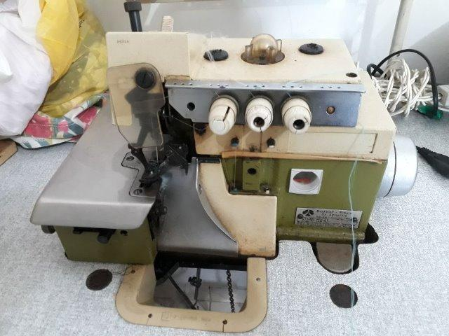Máquina de costura industrial - Overloque