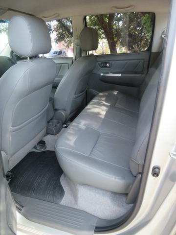 Hilux Diesel 3.0, 4x4 Automática modelo SRV Único dono, Estado de nova - Foto 20