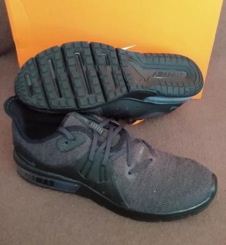 NIKE Air Max Sequent 2 Größe 41