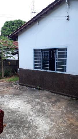 JD GUANABARA 1, casa com barracão na rua Anápolis - Foto 3