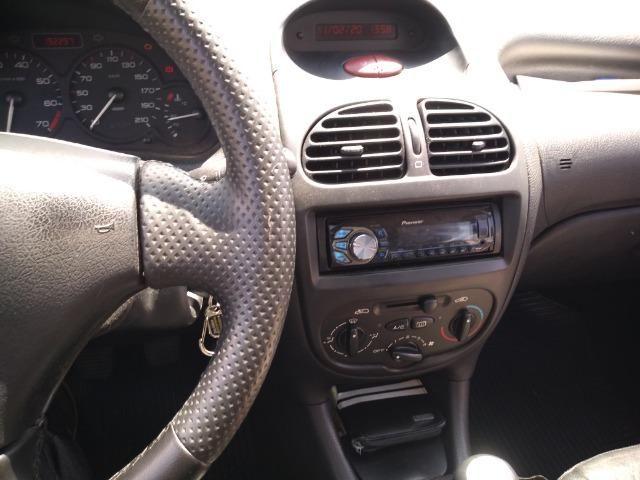 Automóvel Peugeot - Foto 2