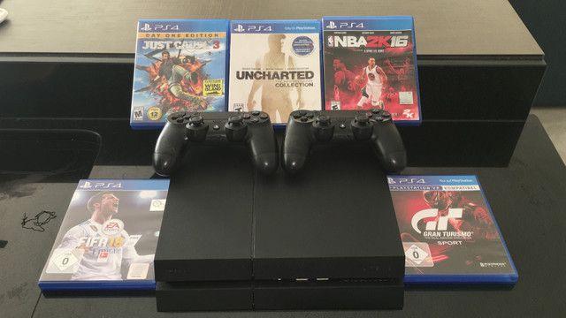 Playstation 4 + 2 CONTROLES + 7 JOGOS