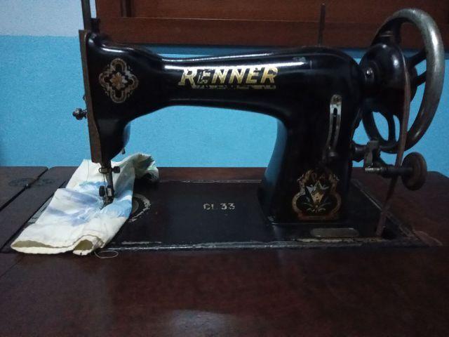 Máquina de costura antiga - Foto 4