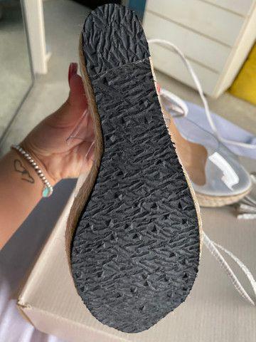 Sandália plataforma com amarração no tornozelo linda! - Foto 6
