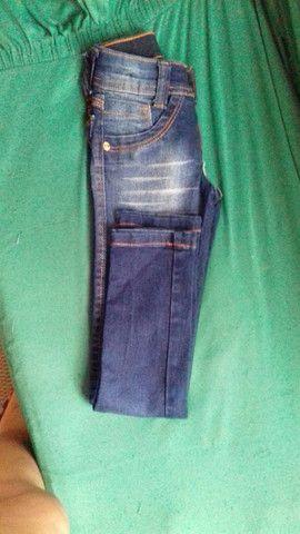 Vendo calça jeans tamanho 4 anos  menino estado de nova - Foto 4