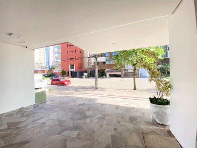 Lindo Apartamento Mobiliado junto as 4 Praças em Torres, 400mts do Mar. - Foto 17