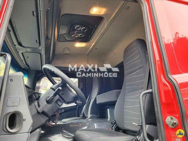 Scania P-310 2015 8x2 Baú  - Foto 13
