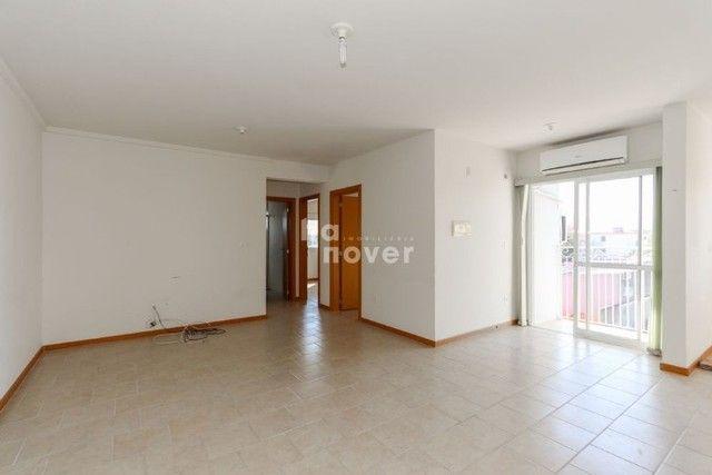 Apartamento 3 Dormitórios com Elevador à Venda no Bairro Passo D'Areia. - Foto 2