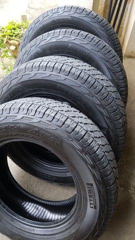 pneu pirelli 255/65r17 scorpion atr  - Foto 2