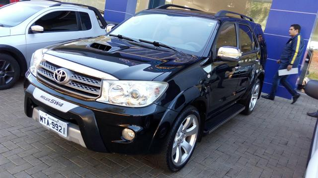 Hilux SW4 2010