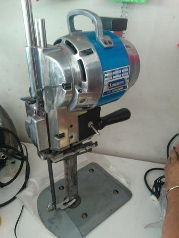 Maquina de cortar tecido lanmax seminova