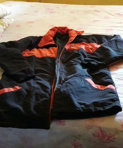 Jaqueta forrada de nylon