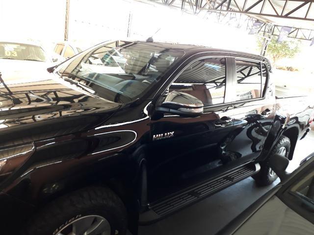 Toyota hilux srv 4x4 turbo - Foto 5
