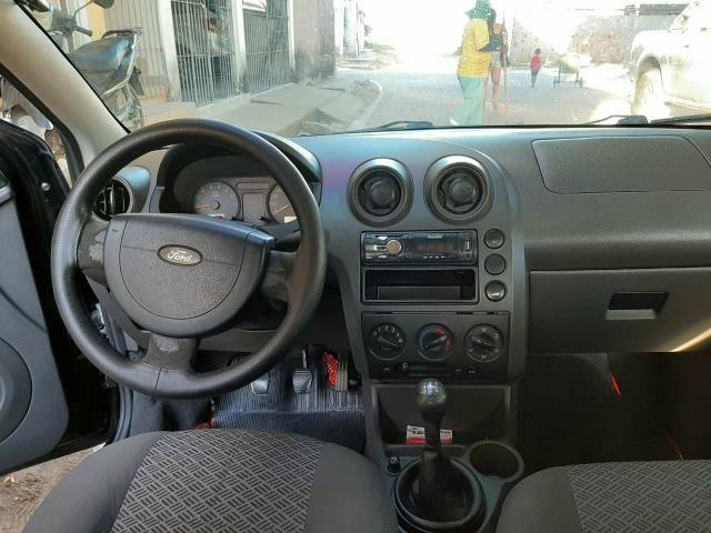 Ford fiesta sedan 1.6 - Foto 8