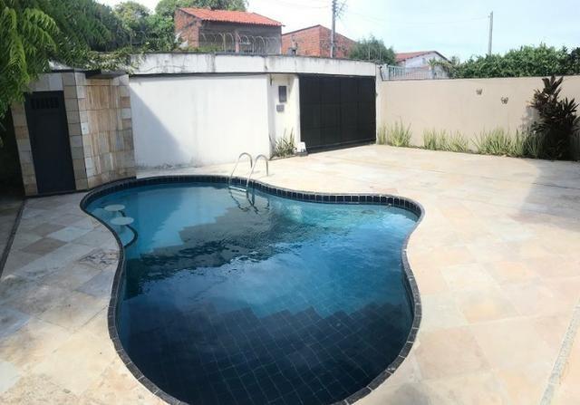 TE0441 Casa duplex com amplo terreno de 960m², 4 quartos, 6 vagas, piscina - Foto 3