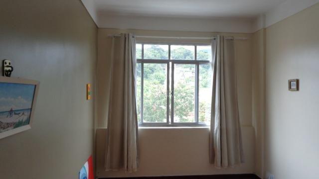 Excelente apartamento de frente, muito ensolarado, 3 quartos - Foto 2