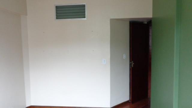 Excelente apartamento de frente, muito ensolarado, 3 quartos - Foto 6