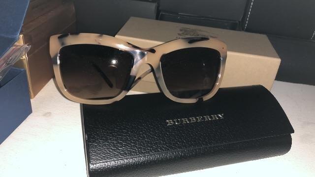 b144e89141a Relógios e óculos originais - Bijouterias