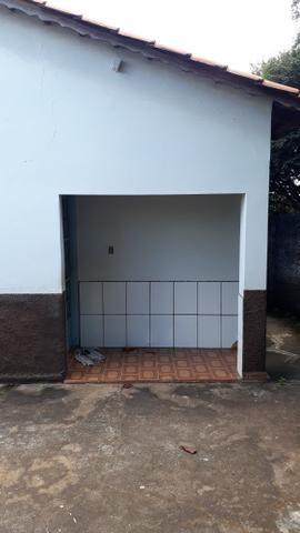 JD GUANABARA 1, casa com barracão na rua Anápolis - Foto 10