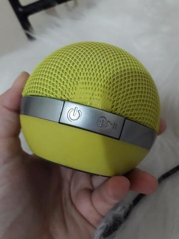 Caixa de som iHome bluetooth modelo IDM8 verde