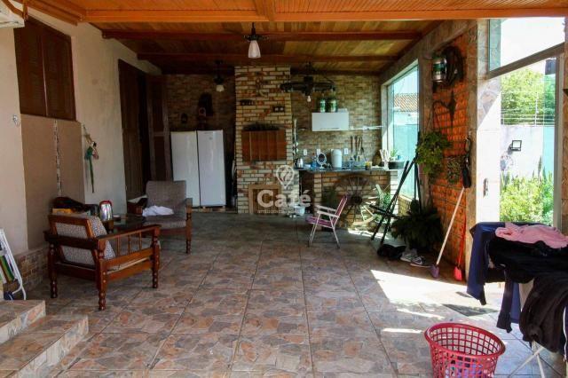 Linda casa com 2 dormitórios, garagem, destinada a quem procura por segurança - Foto 3